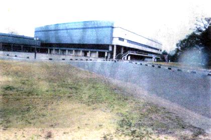 愛知県体育館周辺と駐車場